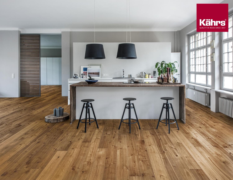 zum niederknien sch n holzb den. Black Bedroom Furniture Sets. Home Design Ideas